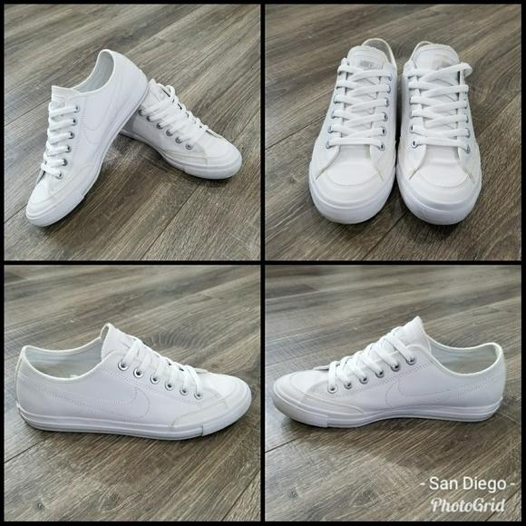 Nike White skippies